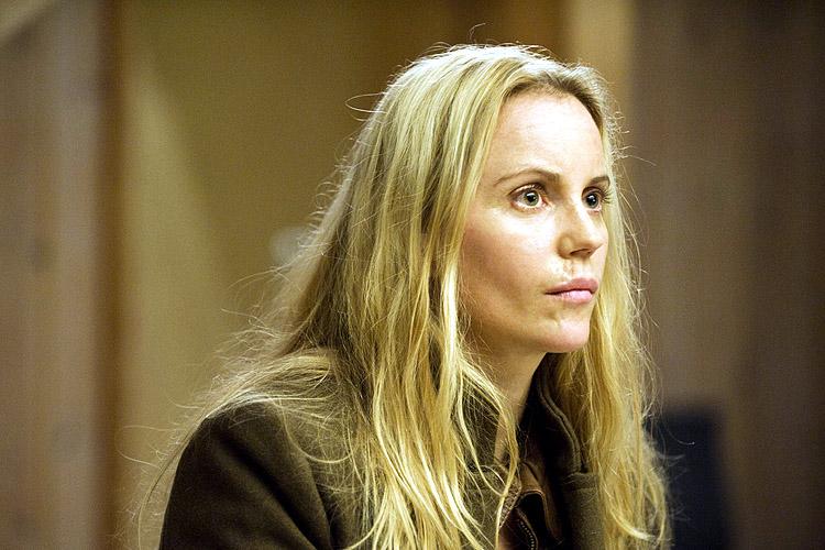 Sofia Helin speelt de autistische politie inspecteur Saga Noren in de televisieserie The Bridge