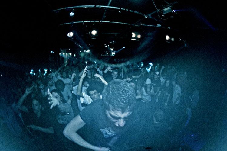 Publiek in de grote zaal van WaterFront (fotograaf onbekend)