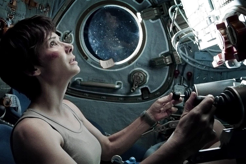 Sandra Bullock heeft even rust in Gravity 3D