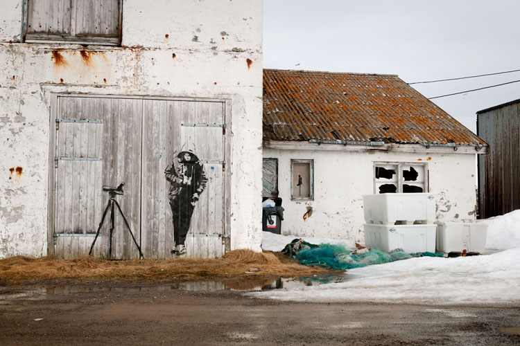 Graffiti in het Noorse stadje Vardø (foto uit het boek, copyright Jeroen Toirkens)