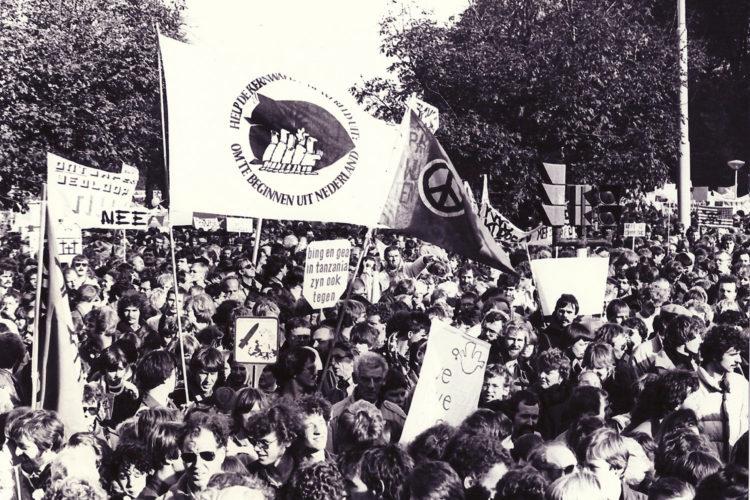 Toen de linkse kerk nog vanzelfsprekend was: anti-kernwapendemo in 1983 (foto:Wikimedia)