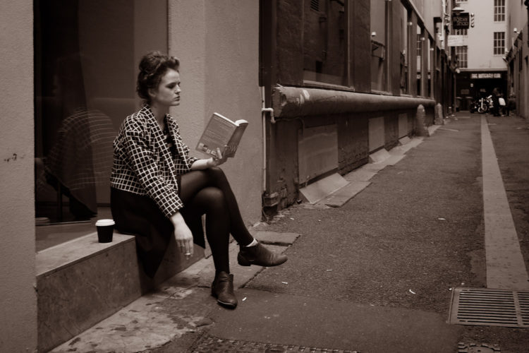 Lezen gaat met hobbels in Italo Calvino's If on a winter's night a traveller (foto:flickr/midgleyderek)