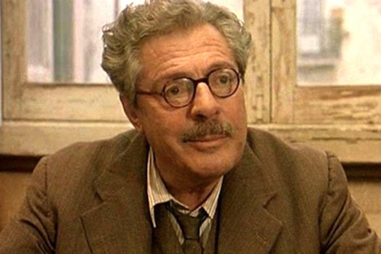 Marcello Mastroianni in de verfilming van Pereira Maintains