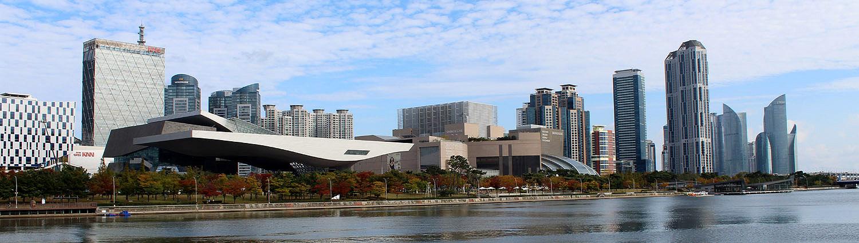 Busan, langs de rivier
