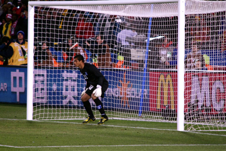 Doelman bij een penalty (foto:flickr/seriouslysilly)