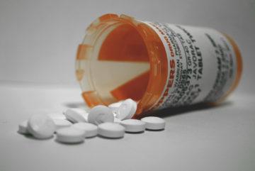 De prijs van medicijnen hangt niet per se samen met ontwikkel- of productiekosten (foto:flickr/thejavorac)