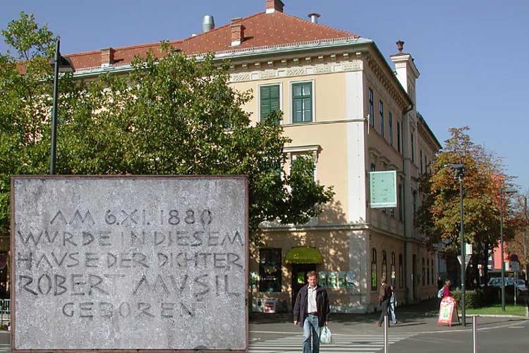 Het Musilhaus in Klagenfurt (foto: Wikipedia)
