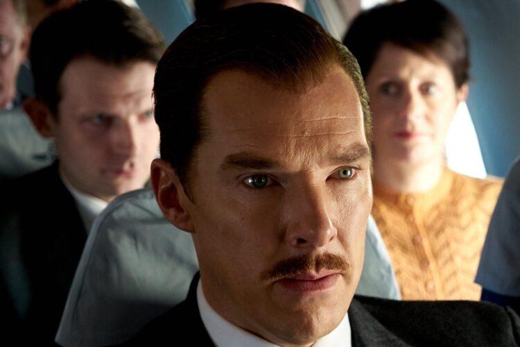 Benedict Cumberbatch als The Courier